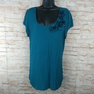 Maurice Short Sleeve Tee  w/Fabric Flowers XL